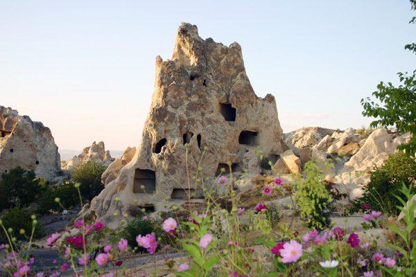 Женский монастырь в Гереме.jpg