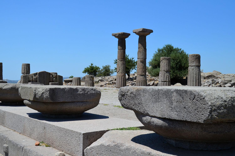 Ассос Турция. Руины храма Афины